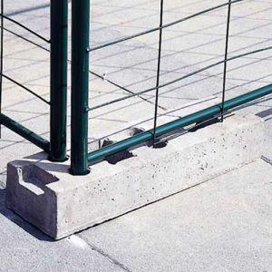 Plot béton pour barrière de séparation